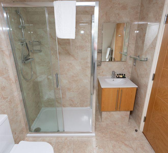 Porthole Suites-206